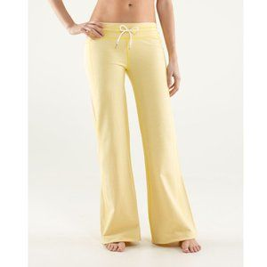 Lululemon Voyage Stretch French Terry Yellow Flare